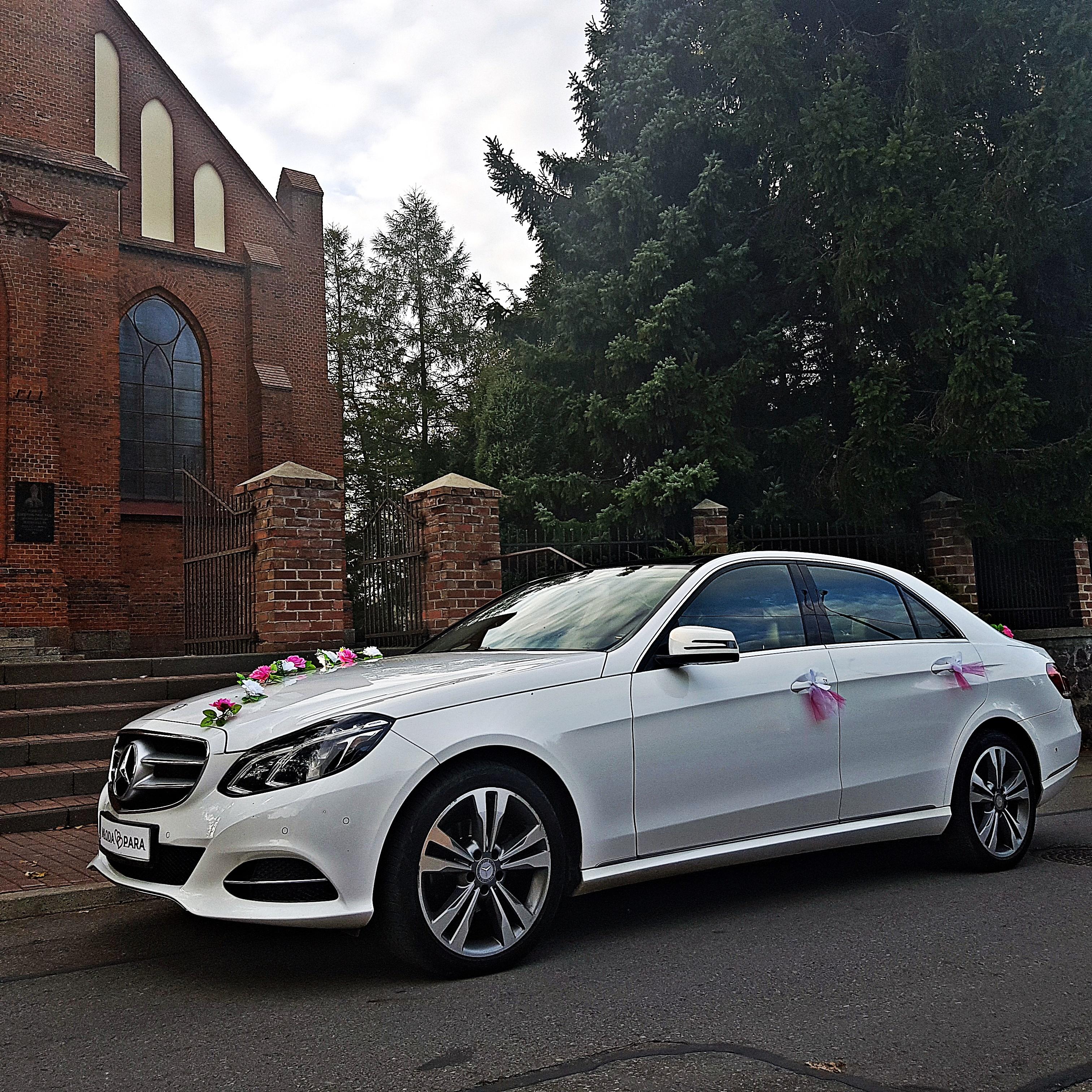 Mercedes_E_do_slubu_2019_09_2