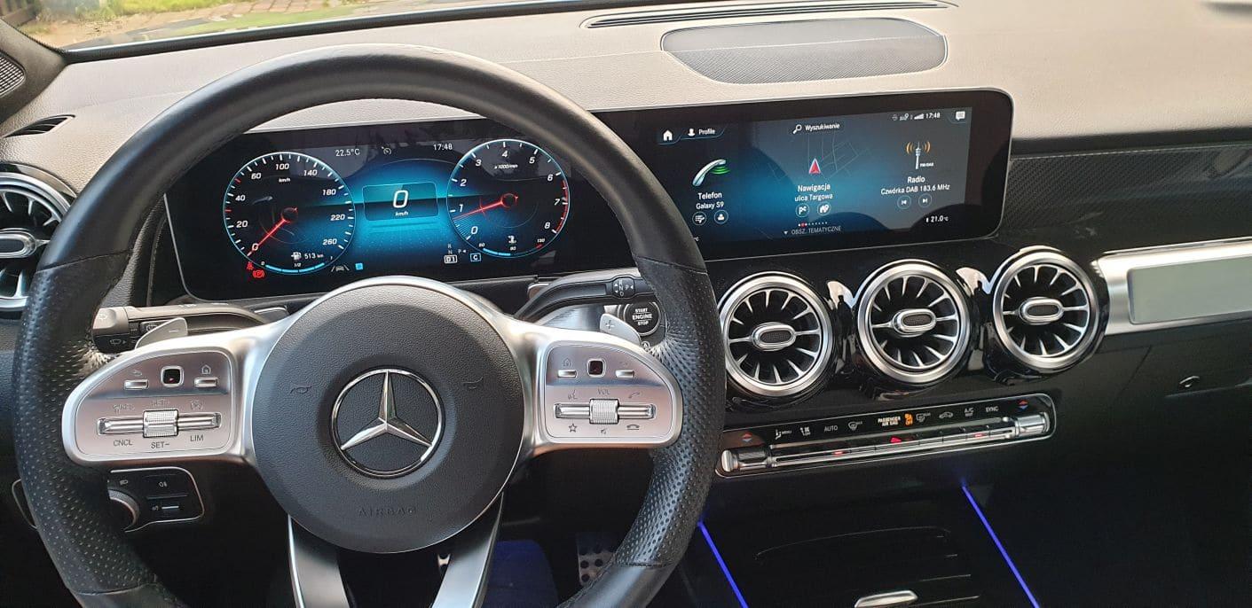 Mercedes_GLB_250_2019_10